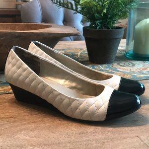 Bandolino Black and white leather wedges Size 8.5